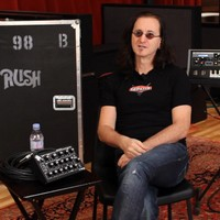 Geddy Lee talks Moog Taurus